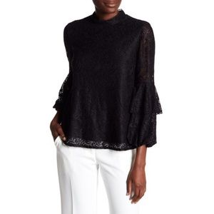 Laundry by Shelli Segal | Lace Bell Sleeve Top